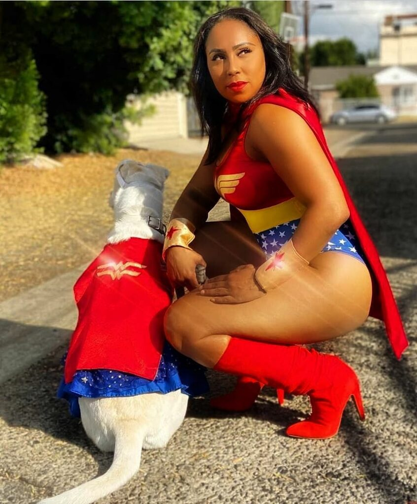 Dynamic Duo Wonder Woman Rescued WonderPup Cosplay